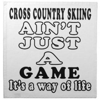 El esquí del campo a través no es apenas un juego servilletas imprimidas