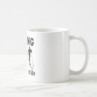 El esquí no es apenas un juego que es una manera d tazas de café