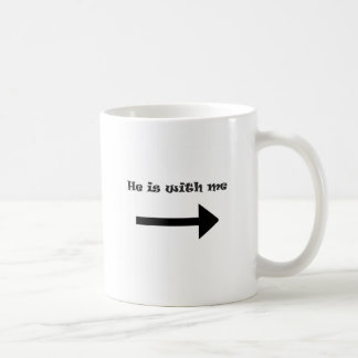 Él está conmigo tazas de café