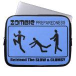 El estado de preparación del zombi Befriend diseño Fundas Computadoras
