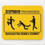 El estado de preparación del zombi Befriend lento  Alfombrilla De Ratón