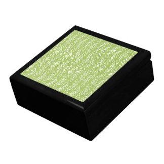 El estallido florece la caja de regalo verde de la