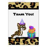 El estampado de animales del leopardo le agradece  felicitación