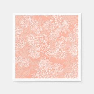 El estampado de flores dibujado mano elegante en servilleta de papel