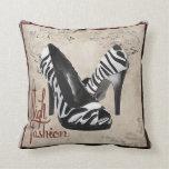 El estampado de zebra calza la almohada, Copyright