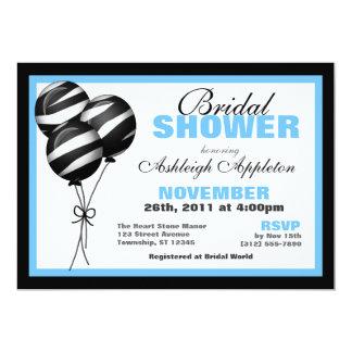 El estampado de zebra hincha la ducha nupcial azul invitación 12,7 x 17,8 cm