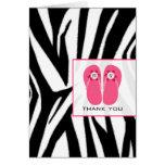 El estampado de zebra y los flips-flopes rosados felicitacion