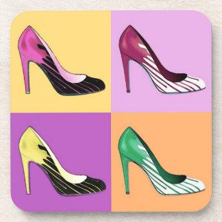El estilete del arte pop bombea/los zapatos/los posavasos de bebidas