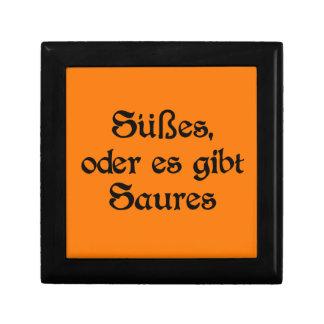 El estilo alemán de Halloween celebra Joyero Cuadrado Pequeño