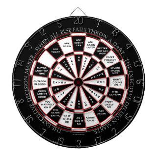 El estilo ejecutivo de la bola de la magia 8 del r tablero de dardos