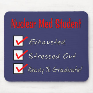 "¡El estudiante nuclear del MED ""alista para gradua Tapete De Ratones"