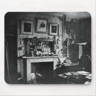 El estudio de Charles Darwin en abajo contiene Mouse Pad