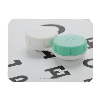 El estudio tiró de la caja de lente de contacto en imán de vinilo