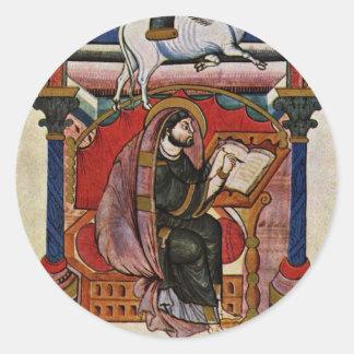 El evangelista Lucas de Meister Der Fuldaer Schule Etiqueta Redonda
