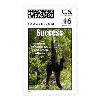 El éxito requiere el colgante encendido