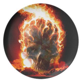 El extracto colorea el cráneo del infierno plato para fiesta