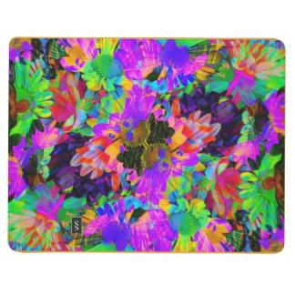 El extracto colorido del teñido anudado florece el cuaderno