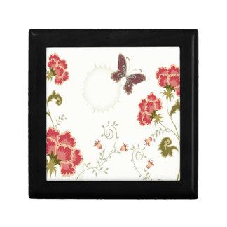 El extracto florece la mariposa blanca del verano cajas de recuerdo