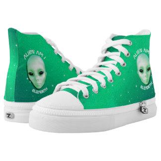 El extranjero es yo pone verde la cara extranjera zapatillas