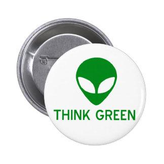 El extranjero piensa el botón verde pin