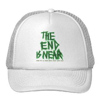 el extremo está cerca gorra