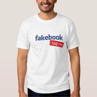 el fakebook me marca con etiqueta camisa