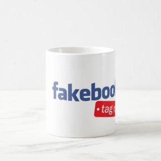el fakebook me marca con etiqueta taza