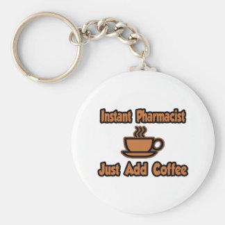 El farmacéutico inmediato… apenas añade el café llavero redondo tipo pin
