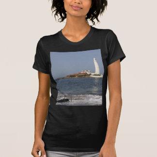 El faro de St Mary, bahía de Whitley Camiseta