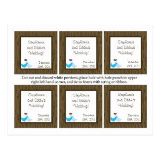 El favor marca pájaros del amor con etiqueta postales