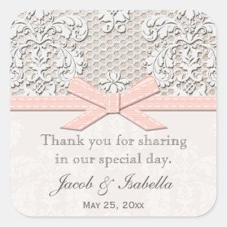 El favor rosado del boda del cordón del vintage calcomania cuadrada personalizada