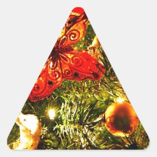 El feliz árbol del día de fiesta del navidad calcomanías de triangulos