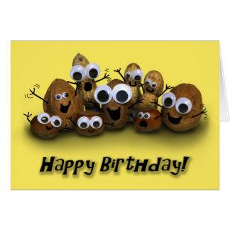 El feliz cumpleaños va las nueces tarjeta de felicitación
