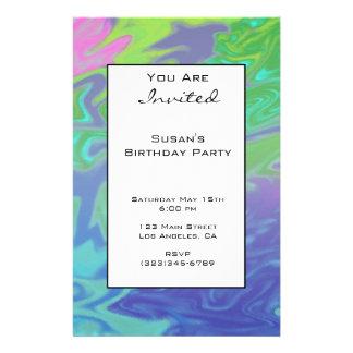 El fiesta abstracto azulverde colorido invita tarjetas publicitarias