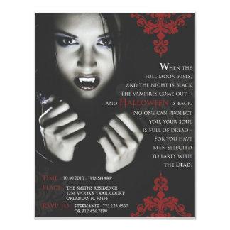 """El fiesta de Femme Fatale Halloween invita Invitación 4.25"""" X 5.5"""""""