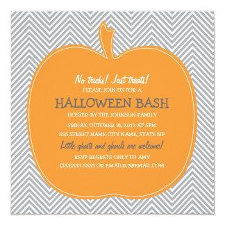 """El fiesta de Halloween de la calabaza de Chevron Invitación 5.25"""" X 5.25"""""""