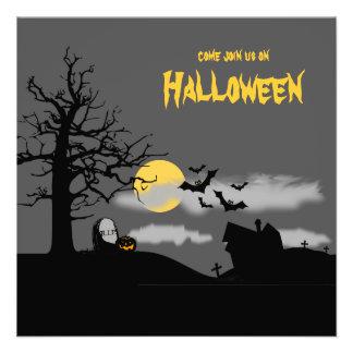 El fiesta de Halloween de la silueta del cementeri Invitacion Personalizada