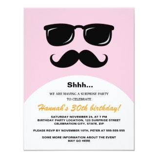 """El fiesta de sorpresa rosado y anaranjado invitación 4.25"""" x 5.5"""""""