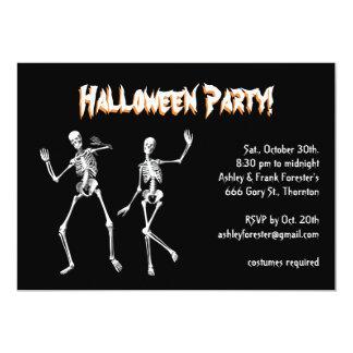 """El fiesta del traje de Halloween de los esqueletos Invitación 5"""" X 7"""""""