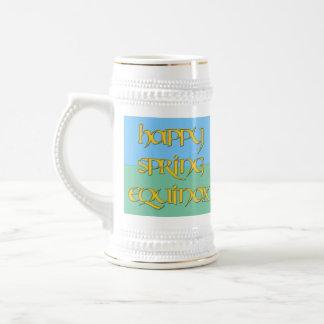 El fiesta feliz del equinoccio de primavera bebe a jarra de cerveza