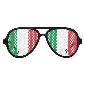 El fiesta italiano del orgullo sombrea la bandera lentes de sol
