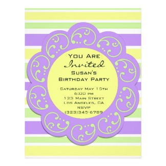 El fiesta rayado amarillo púrpura invita tarjeton