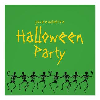 El fiesta verde de Halloween de los esqueletos del Anuncio