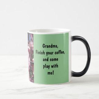 El final de la abuela su café viene juego conmigo taza mágica