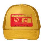 El fingimiento de él es los años 80 gorras de camionero