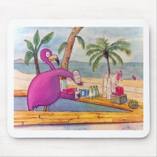 El flamenco rosado caprichoso vierte la playa de l mouse pads