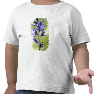 El flor de un lirio de Camas en el condado de Camisetas