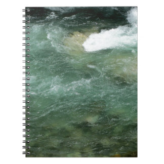 El fluir del agua de río note book