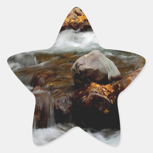 El fluir del río del agua Seaward Pegatina En Forma De Estrella