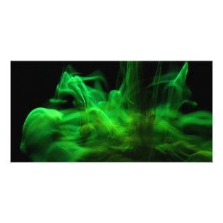 El fluir/fluoresceína en agua tarjeta fotografica